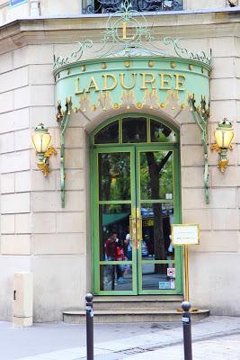 Negozio Ladurée macarons, Parigi