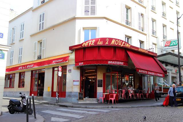 """Cafè des Deux Moulins del film """"Il favoloso mondo di Amélie"""" a Montmartre, Parigi"""