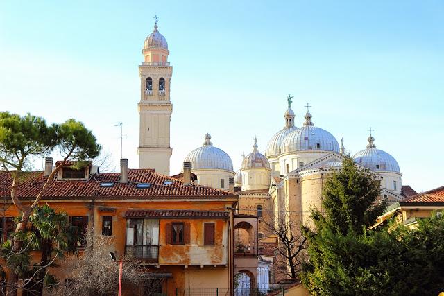 Basilica di Santa Giustina vista da dietro