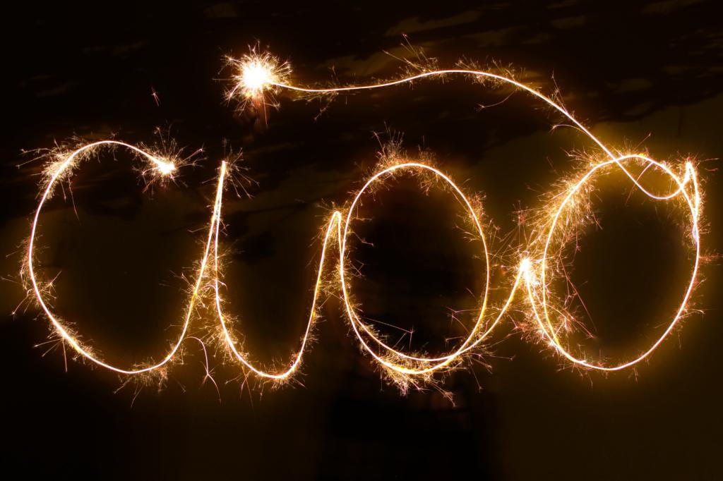 Ciao scritto con stelline di Capodanno