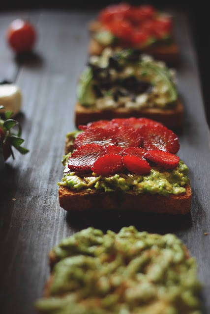 Avocado toast con le fragole