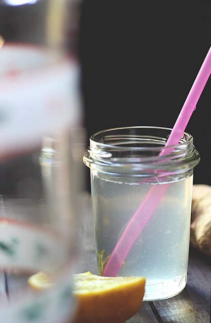Limonata zenzero e rosmarino
