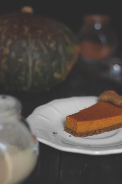 Fetta di pumkin pie o crostata di zucca