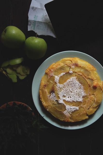 Torta di mele rovesciata, umida, velocissima