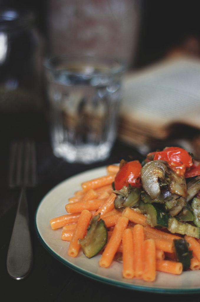 Piatto di pasta di lenticchie