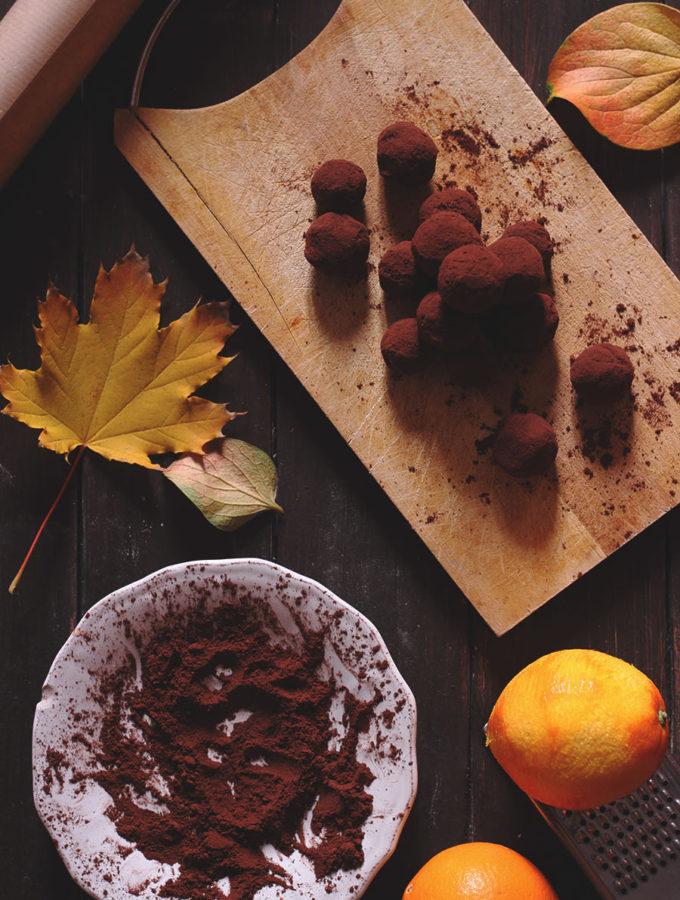 Tartufi in due ingredienti al cioccolato e arancia
